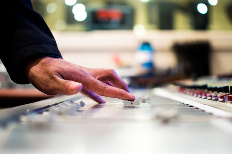mixing vs mastering
